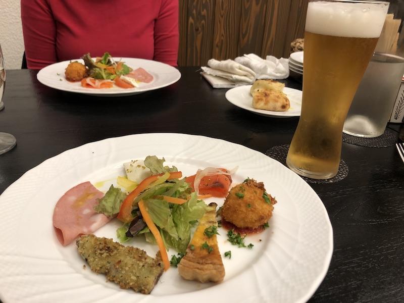 淡路島ヴィラオルティージャのディナーの前菜の写真