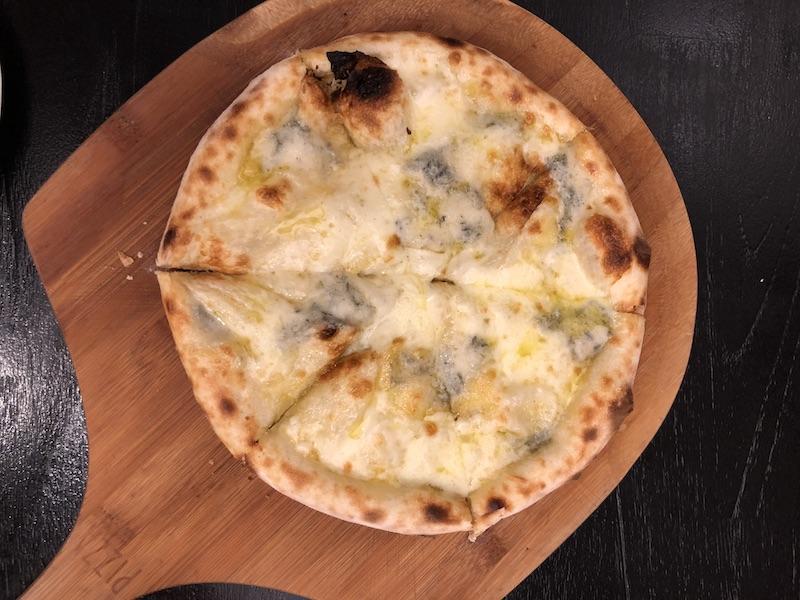 淡路島ヴィラオルティージャの石窯ピザの写真
