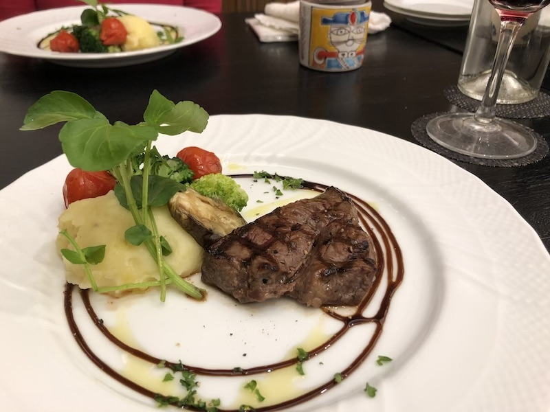 淡路島のヴィラオルティージャのディナーの写真